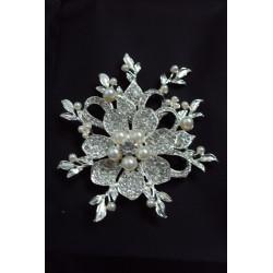 Broche fleur de perles  Broche 12,00€