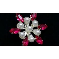Broche à perles  Broche 2,40€